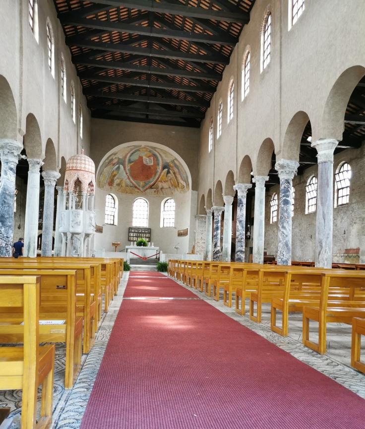 L'interno della Basilica di Sant'Eufemia di Grado