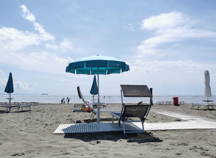 Passerelle per le carrozzine sulla spiaggia di Grado