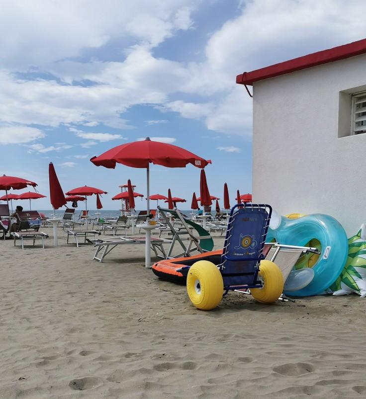 Sedia Job sulla spiaggia di Grado